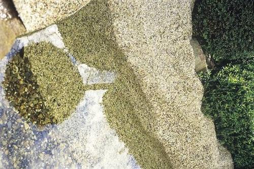 Stone liner sand